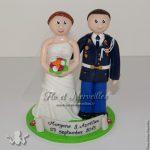 couple avec uniforme de gendarme