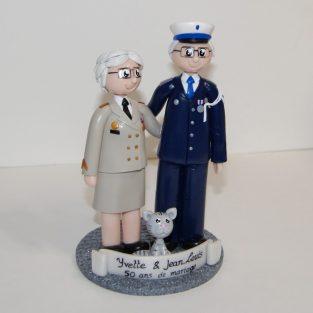 figurines personnalisées Yvette et Jean-Louis, en uniforme de police et de l'armée de terre - 50 ans de mariage