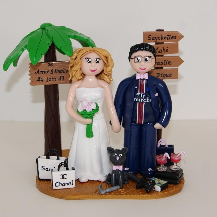 figurines de mariage lesbien, avec chat, PS4, sac de shopping et palmier