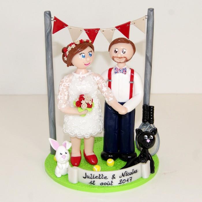 figurines mariage personnalisées, bohème chic, banderole de fanions, chat, lapin, raquettes de tennis