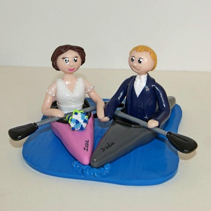 Figurines mariage personnalisées en kayak