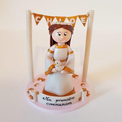 Figurine communion fille, thème blanc et doré, avec petite colombe