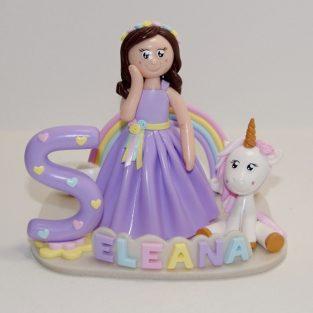 Figurine anniversaire 5 ans avec licorne et arc-en-ciel